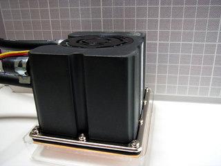 ウォーターブロック (CPU接触部とポンプ)